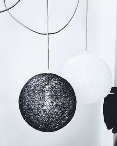 Un favorito personal de mi tienda Etsy https://www.etsy.com/es/listing/234729847/2-spheres-2-lamparas-esfera-blanca-y
