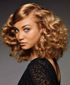 Mid-length offers many possibilities of hairstyles, we especially love these loops max. (Niwel)