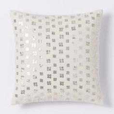 West Elm offers modern furniture and home decor featuring inspiring designs and colors. Create a stylish space with home accessories from West Elm. Modern Cushions, Luxury Cushions, Decorative Cushions, Living Room Pillows, Bed Pillows, Living Room Update, West Elm, My Room, Home Accessories