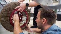 """La """"reinvención de la rueda"""": cómo es el casi indestructible sustituto del neumático que inventó la NASA - https://www.vexsoluciones.com/noticias/la-reinvencion-de-la-rueda-como-es-el-casi-indestructible-sustituto-del-neumatico-que-invento-la-nasa/"""