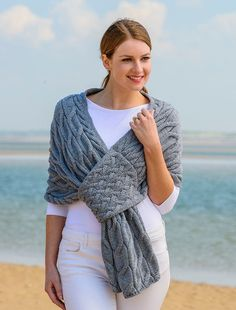 Knitted Cape, Knitted Shawls, Crochet Shawl, Knit Crochet, Crotchet, Hand Knitting, Knitting Patterns, Hand Knit Scarf, Shawls And Wraps