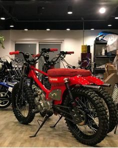 Supreme Honda Motorcycles, Vintage Motorcycles, Custom Motorcycles, Custom Bikes, Mini Motorbike, Homemade Motorcycle, Honda Cub, Motorized Bicycle, Cafe Racer Bikes