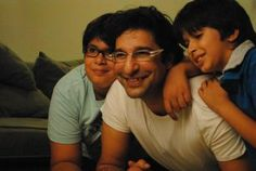 Wasim Akram, of Team Pakistan with his two grown up sons, Taimur and Akbar