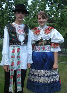 Cerov& village, Z& region, Western Slovakia. Folk Clothing, Historical Clothing, Folk Costume, Costumes, European Tribes, Art Populaire, Baroque Fashion, Kebaya, Traditional Dresses