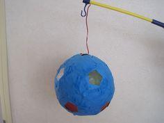 Lampion van een bal - papier mache