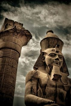 Amazing things About the Great Egyptian Pharaoh Ramesses II Egyptian Pharaohs, Egyptian Art, Egyptian Pyramid, Egyptian Jewelry, Ramses, Ancient Egyptian Architecture, Ancient Egypt History, Ancient Aliens, Ancient Greece