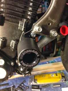 PROJECT SUPERTWIN TO THE MANX: Who needs rear brakes and frame sliders anyway?