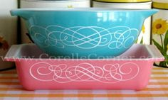 Pyrex Turquoise Scroll 443 and Pink Scroll 575 Vintage Kitchenware, Vintage Dishes, Vintage Pyrex, Vintage Glassware, Pyrex Bowls, Scroll Design, So Little Time, Turquoise, Popcorn Bowl