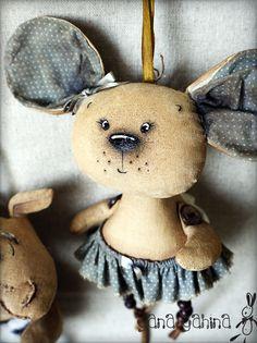 Мобильный LiveInternet кофейные игрушки   James_york - Дневник James_york   Crochet Toys Patterns, Stuffed Toys Patterns, Doll Patterns, Tiny Dolls, Soft Dolls, Cotton Decor, Fabric Animals, Felt Birds, Homemade Toys