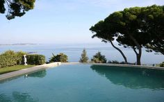 This is a nice view! - http://www.aiximmo.ch/property/this-is-a-nice-view/- In a gated residential area, quiet. Pretty Provencal villa of approx. 290 m², renovated, on a wooded and landscaped grounds of approx. 1,500 m², enjoying panoramic sea views The villa has a living-dining room (approx. 50 m²) opening onto a large terrace with sea views, a spacious kitchen, 4 bedrooms,