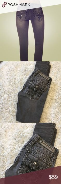 """Rock revival Celine skinny jeans Size 25 ,around waist measures 28"""" Inseam 30""""  Great condition ✅ Feel free to ask questions or offers  Ship within 1-2 days Rock Revival Jeans Skinny"""