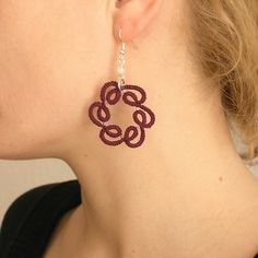 Whirlwind tatted earrings by Szigami, via Flickr Tatting Earrings, Tatting Jewelry, Tiny Earrings, Tatting Lace, Beaded Jewelry, Handmade Jewelry, Needle Tatting Patterns, Crochet Patterns, Lace Making