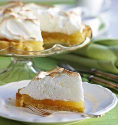 Lemon merengue pie for Easter, fresh and delicious - Raikas sitruuna-marenkitorttu, resepti – Ruoka. Sweet Pie, Sweet Treats, Cheesecake, Food And Drink, Lemon, Easter, Sweets, Baking, Desserts