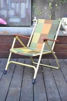 Vintage retro deck chair fold up paddle arms SC - Funky Flamingo Deck Chairs, Outdoor Chairs, Outdoor Furniture, Outdoor Decor, Fences By August Wilson, Wooden Paddle, Mid Century Furniture, Folded Up, Folding Chair