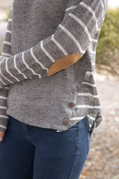 Love this gray, striped arm/back, elbow patch sweater! Long Sleeve Knit Top with Elbow Patch Elbow Patch Sweater, Elbow Patches, Fall Winter Outfits, Autumn Winter Fashion, Fall Fashion, Style Fashion, Casual Outfits, Cute Outfits, Fashion Outfits