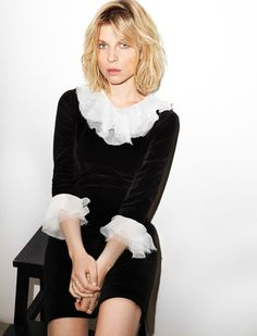 The bohemian chic of Clémence Poésy - Her collection for Pablo tells the story of a Fine Arts student. Clemence Poesie, Style Chic Parisien, Parisian Chic Style, Style Parisienne, Gamine Style, French Chic, French Style, French Actress, Madame
