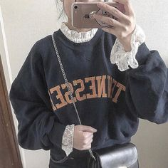 古着女子さんはInstagramを利用しています:「≪🐨スウェットコーデ🐨≫⠀⠀⠀⠀⠀ 🔥10/1 から YouTube & IGTV 始まります🔥 *ㅤ Check this→@9090s_ 👖👟 *ㅤ 🌼公式LINE@→@furuzyo で検索🌼 LINE@だけのお知らせや古着の疑問にも答えます!…」 Urban Fashion, Trendy Fashion, Girl Fashion, Vintage Fashion, Fashion Outfits, Pretty Outfits, Cool Outfits, Casual Outfits, Ulzzang Fashion