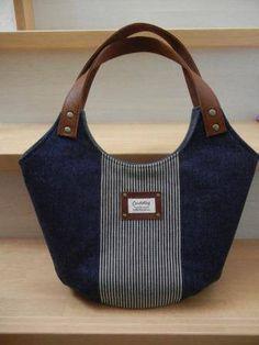 Genuine leather handle with 3 round bottoms ☆-yuma * yuma handbag - Nähen - Bolsas Bag Quilt, Denim Tote Bags, Diy Bags Purses, Diy Handbag, Quilted Bag, Fabric Bags, Cloth Bags, Handmade Bags, Handmade Diary