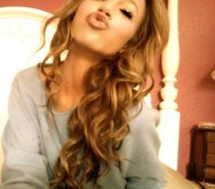 Carmel and Brown Hair Underneath. Lovee. Dying My Hair Like This Soon!