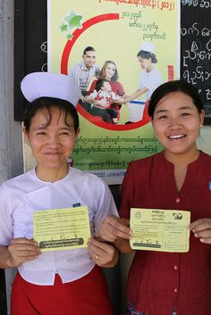 As in many countries in the south-east Asian region, community health workers give households personal invitation cards to the measles campaign.