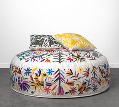OLLI | OTOMI EMBROIDERY | 'Striped Animals'