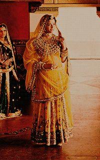 Aishwarya Movie, Actress Aishwarya Rai, Beauty And The Beast Wallpaper, Jodhaa Akbar, Rajasthani Dress, Indian Aesthetic, Bridal Lehenga Collection, Bridal Outfits, Couture Dresses