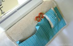 Make a sewing caddy which goes under the sewing machine. I need this!