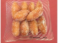 Gulab Jamun - Mom's Recipe recipe by Naeema Mia Recipe For Mom, Mom's Recipe, Sweet Meat Recipe, Indian Cookies, African Dessert, Burfi Recipe, Indian Food Recipes, Ethnic Recipes, Indian Foods