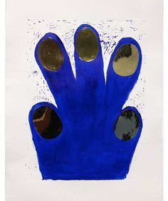 HANd/Paw with golden nails
