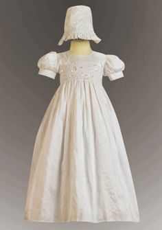 Baby\'s Christening Gowns with Appliques Beading in Taffeta
