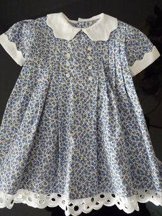 Sweet child's dress Girls Frock Design, Baby Dress Design, Kids Frocks Design, Frocks For Girls, Little Dresses, Little Girl Dresses, Girls Dresses, Toddler Fashion, Kids Fashion