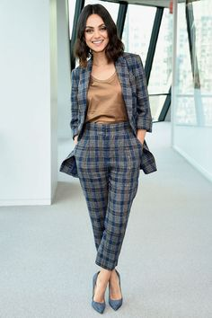 Mila Kunis in a tan blouse, a blue-and-gray plaid pantsuit and blue pumps at the screening of The Spy Who Dumped Me in N. Classy Outfits, Chic Outfits, Trendy Outfits, Fashion Outfits, Work Outfits, Outfit Work, Summer Outfits, Outfit Ideas, Fashion Blogs