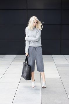 MyDubio | Outfit | grey culottes | Tote | Mules