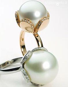 Anelli con perla australiana con oro e diamanti