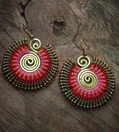 Handmade ethnic Jewelry Micro macrame and de ArtOfGoddess en Etsy Macrame Jewelry, Tribal Jewelry, Wire Jewelry, Beaded Earrings, Crochet Earrings, Hoop Earrings, Micro Macramé, Bohemian Bracelets, Earring Tutorial