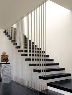 101 modern stairs appear as eye-catchers in your apartment modern staircase design with contrasting colors and materials 101 modern stairs appear as eye-catchers in your apartment . Staircase Railing Design, Modern Stair Railing, Home Stairs Design, Stair Handrail, Interior Stairs, House Design, Staircase Ideas, Railing Ideas, Stair Design
