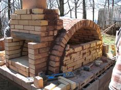 2007 MHA Annual Meeting.  Pizza oven build and pizza party.