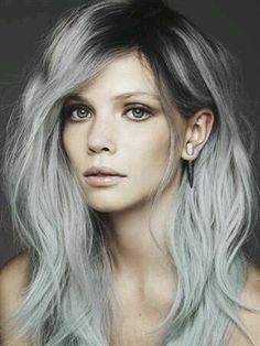 cabello plata y con mechas y rayitos - Buscar con Google
