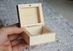 Natural wooden box. Unfinished. Made from linden tree. Great for decoupage, but also to keep jewelry. Good quality. I use these boxes to ship my jewelry (take a look at the last photo) – they are very solid.  *** Dimensions: ~ 6,8 cm x 6,6 cm x 4 cm (2.7 x 2.6 x 1.6)   *** Please notice that the real color might be slightly different from what you see, because it depends on individual monitor settings. If you have any questions or want to see more pictures of this item, let me know…