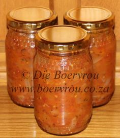 Dagsê Lesers, Hierdie tamatie en uiesous is altyd 'n wenner by enige dis. Die heel lekkerste vir my is dat ek dit kan bottel, in die spens kan stoor en gebruik, Relish Recipes, Chutney Recipes, Jam Recipes, Canning Recipes, Light Recipes, Sauce Recipes, Oven Recipes, Sweet Recipes, Yummy Recipes
