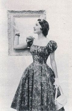 1950s summer dress fashion.