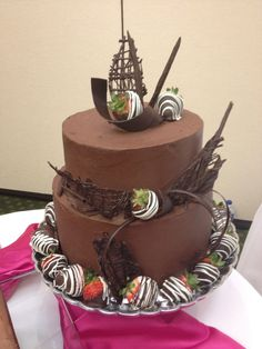 white chocolate ganache covered wedding cake chocolate strawberry ganache cake birthday cakes 27250