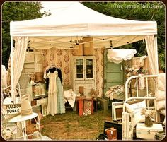 I love going to craft/antique/flea market shows. :) (The Maison Douce booth at the Barn House Flea, Summer Flea Market Booth, Flea Market Finds, Flea Markets, Craft Booth Displays, Display Ideas, Booth Ideas, Booth Decor, Craft Booths, Stand Feria