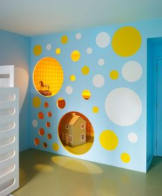 Kids playroom is a favorite place dedicated to play and learn, to keep all the toys, books, pencils, or even a place to rest. I would like to share 10 kids playroom Girls Playhouse, Indoor Playhouse, Modern Playhouse, Closet Playhouse, Playhouse Ideas, Play Spaces, Kid Spaces, Decoration Creche, Modern Playroom