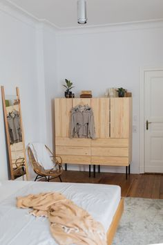Room Tour: Welcome to our bedroom! My New Room, My Room, Ikea Units, Rental Decorating, Room Tour, Home Bedroom, Home Furnishings, Home Furniture, Decoration