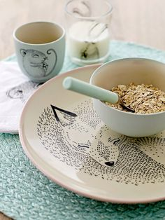 I LOVE this dishware design!!!!!!!!  wonder if you can buy in Ottawa?????????La Petite Anne: Mini kolekce Bloomingville