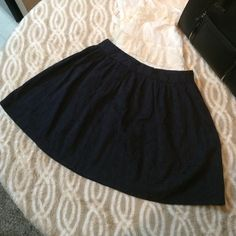 Textured mini skater skirt Textured circle skirt. This skirt is cute and fun to wear. Rose textured. Comes to my knees. I am 5 feet tall Forever 21 Skirts Circle & Skater
