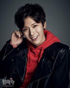 에스엠루키즈 #텐 #SMROOKIES #TEN 텐의 새로운 인사말을 http://SMROOKIES.COM 에서 확인하세요! his smile is so nice