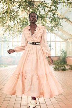 Trend Fashion, Live Fashion, Runway Fashion, Fashion Show, Jeans Fashion, Ootd Fashion, Spring Fashion, Latest Fashion, Fashion Inspiration