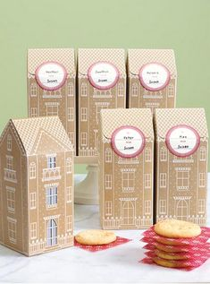 Design Crush » Gingerbread Cookie Boxes.